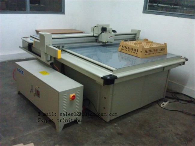 PP corrgutaed box making table